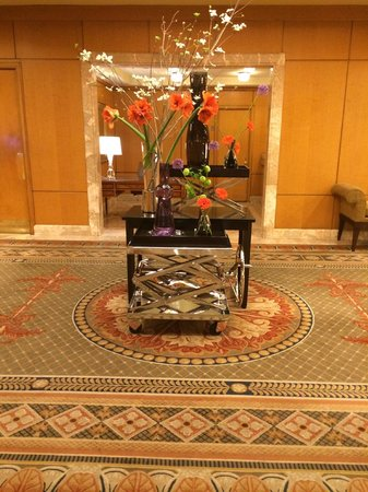 The Logan Philadelphia, Curio Collection by Hilton: Lobby