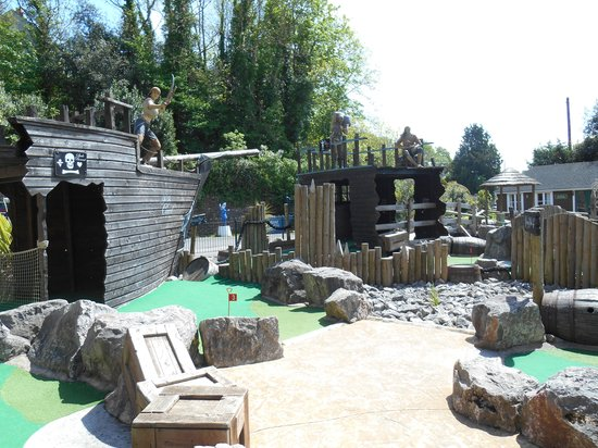 Wookey Hole Caves : Pirate Golf