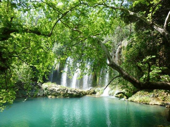 Kursunlu Waterfalls : VISTA PARCIAL DE LAS CASCADAS
