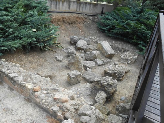 Ohtels Vil.la Romana : roman remains in grounds