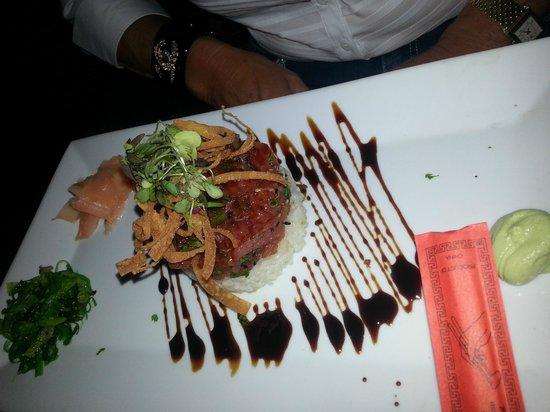 Entre Nous Bistro: tuna tartar