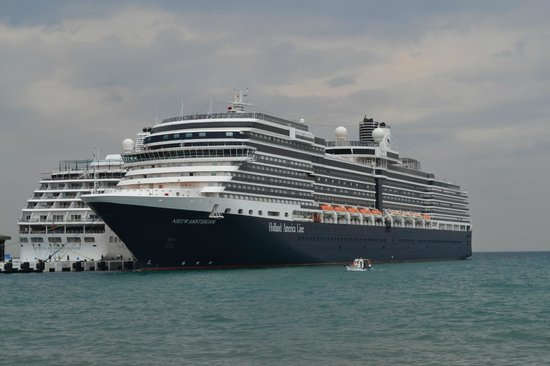 SENTIDO Marina Suites- Adult Only: cruise ship