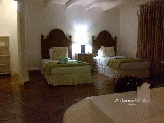 Windjammer Landing Villa Beach Resort: 2nd room downstairs (ios)