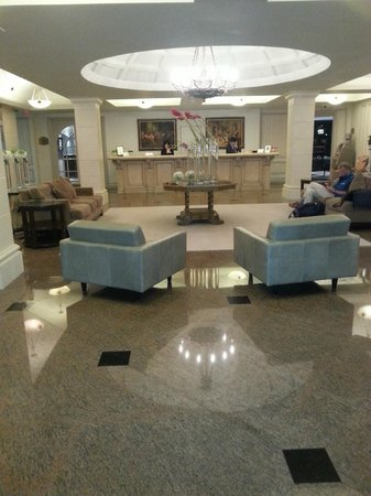 Grand Hotel & Suites: Reception Area