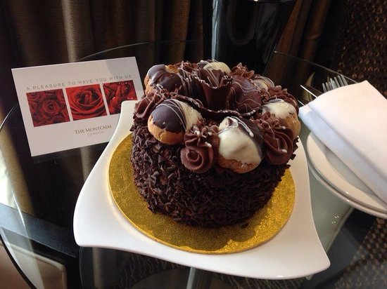 The Montcalm London Marble Arch : Fab birthday cake