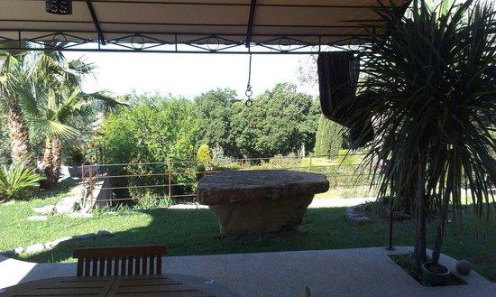 Villa Caladou: Jardin au petit matin