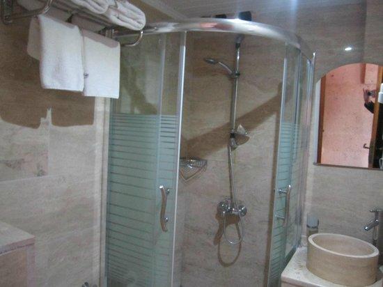 Walnut House Hotel Goreme: De badkamer