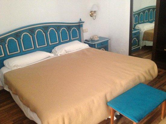 Hotel Roger de Flor Palace: couleur kitch au possible
