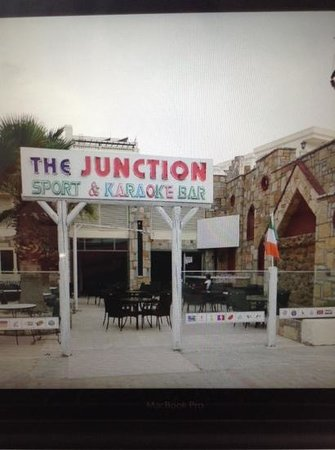 ‪The Junction Bar‬