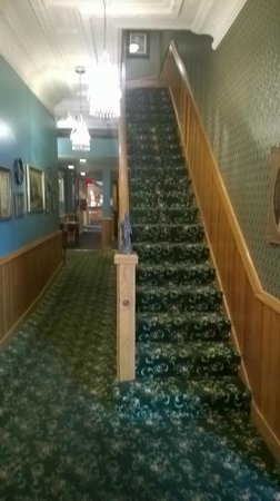Hotel Millersburg: A view of the staircase from the front entrance
