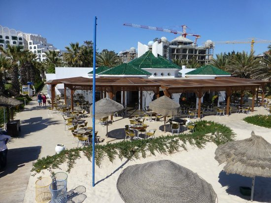Marhaba Palace Hotel : Beach restaurant - also showing building work behind