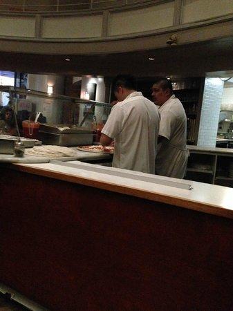 John's of Times Square: Pizza preparing