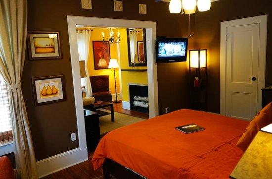 Maison en Ville : The Mahogany Suite (6)