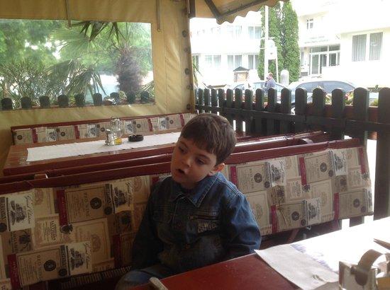 Peppino Pizzeria: На веранде