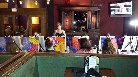 Andiamo - Novi: painting class going on