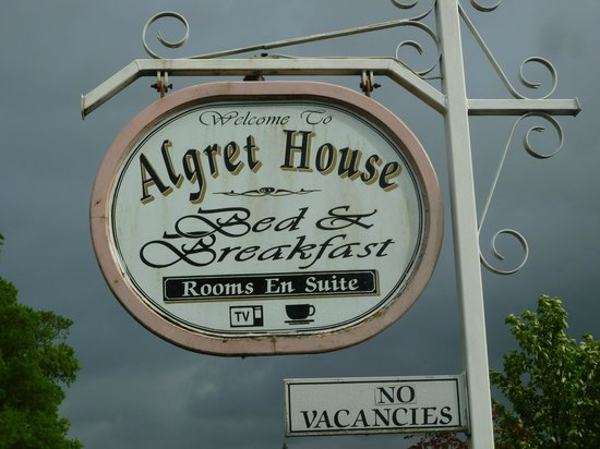 Algret House Bed and Breakfast: Sign