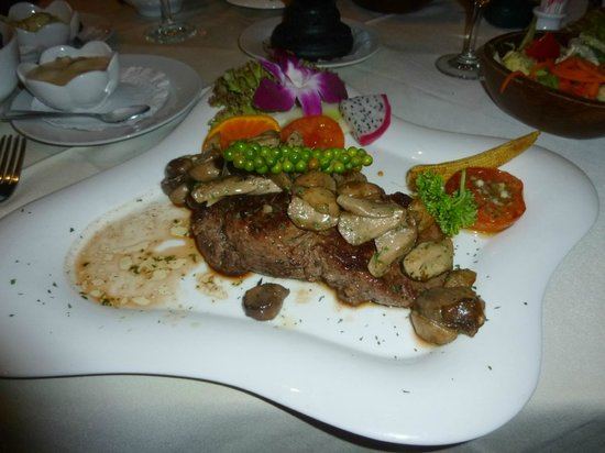 Carnivore Steak and Grill : lovely steak