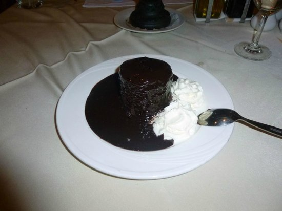 Carnivore Steak and Grill : chocolate desert
