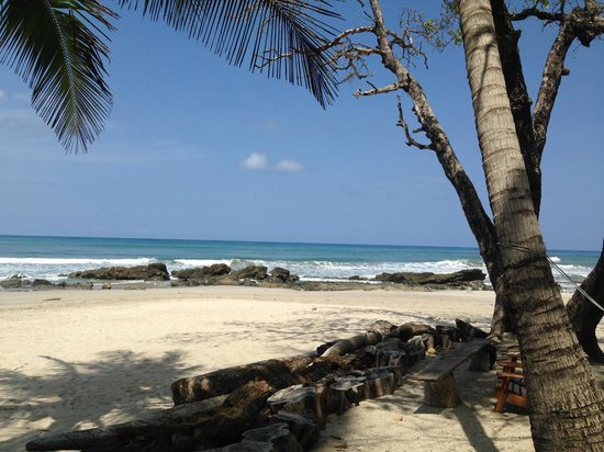Hotel Tropico Latino: Beach View