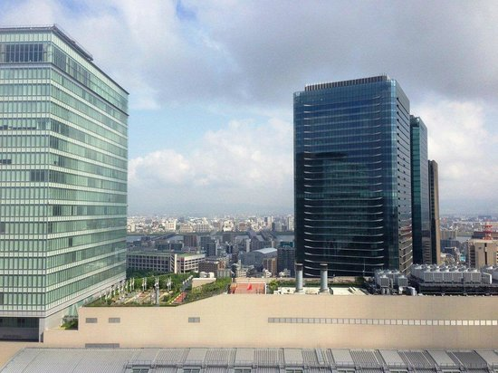 Hotel Granvia Osaka : View from the room - day time