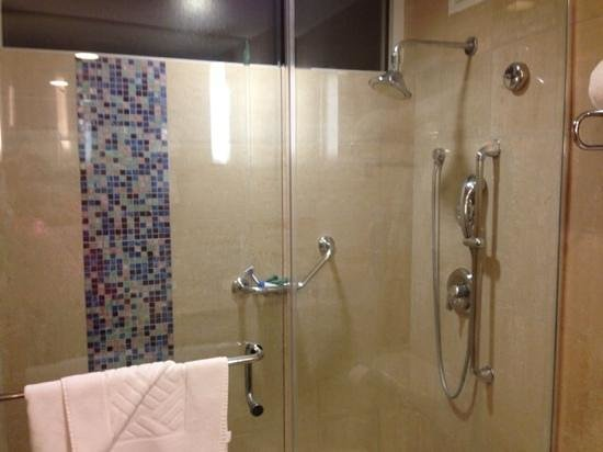 Hilton Ponce Golf & Casino Resort: our bathroom