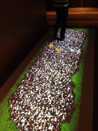 The T Hotel: Lobby floor!