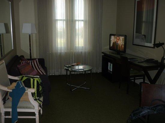 โรงแรมเมดิน่าแกรนด์อดิเลดเทรเชอรี่: Living room