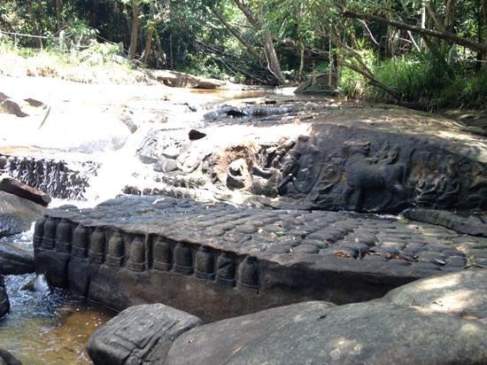 Kabal Spean : Kbal Spean - carvings of reclining Vishnu