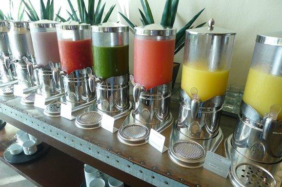 Krystal Grand Punta Cancun: Freshly squeezed juices (breakfast buffet)