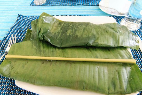 Aanavilasam Luxury Plantation House: Delicious banana leaf rapped lunch