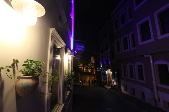 Diva's Hotel: Divas@night
