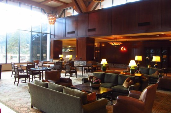 Resort at Squaw Creek: Hotel lobby