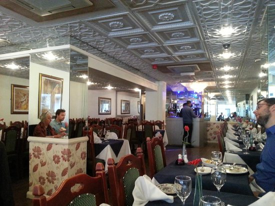 Muhib Indian Cuisine: Inside was nice and pleasant