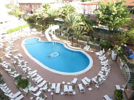 Hotel Neptuno Gran Canaria: pool view from 428