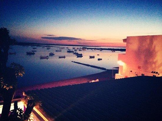 Acostarse y levantarse en hostal la savina, Formenetera... Uno de los mayores placeres de la vid