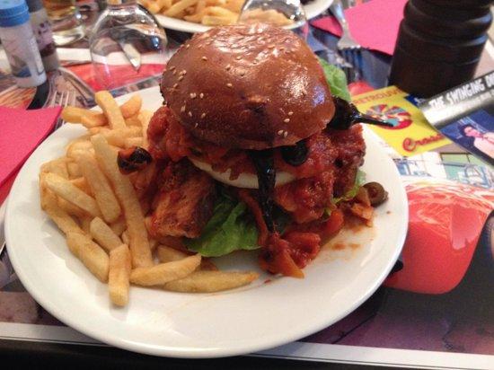 Montreuil, France: Le hamburgeur au requin le shark burger une turie