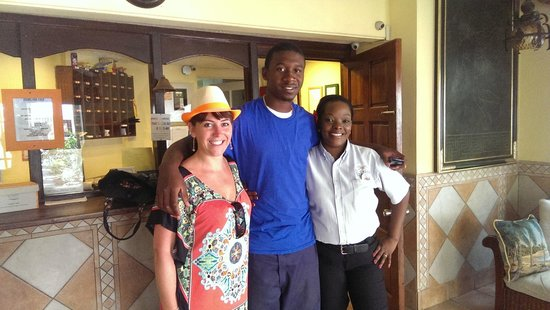 El Greco Hotel : Me and the lovely staff at El Greco!