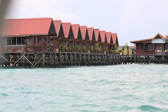 Uncle Chang's Sipadan Mabul Dive Lodge: Deluxe cabins
