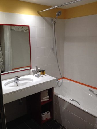Hotel Lyon Metropole: La salle de bain