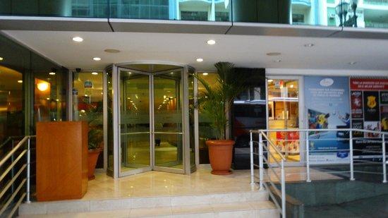Hampton Inn by Hilton Guayaquil-Downtown: entrada