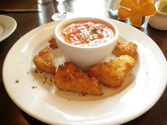Farm Haus Bistro: Fried mac and cheese