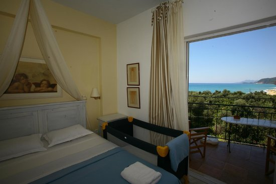 Palmina Mare Villa Studios One Bedroom Apartment With Baby Cot Room No 20