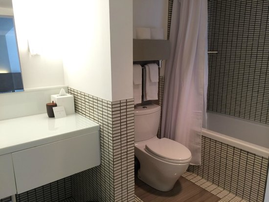 Royal Palm South Beach Miami, A Tribute Portfolio Resort: Bathroom