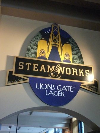 Steamworks Brewing Company: Interior decor