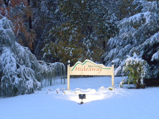 Port Matilda, PA: Entrance to Mountain Hideawy B&B