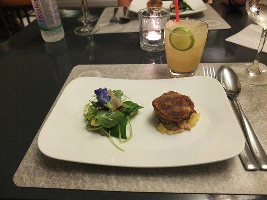 Cuisine Wat Damnak : Crispy pork shank