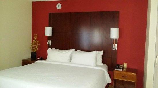 Residence Inn San Diego La Jolla: bedroom