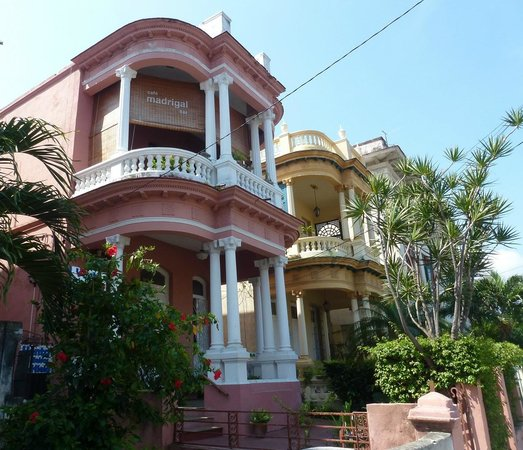Colonial Vedado: The Yellow is #811