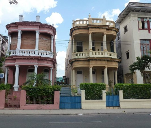 Colonial Vedado: The Yellow House