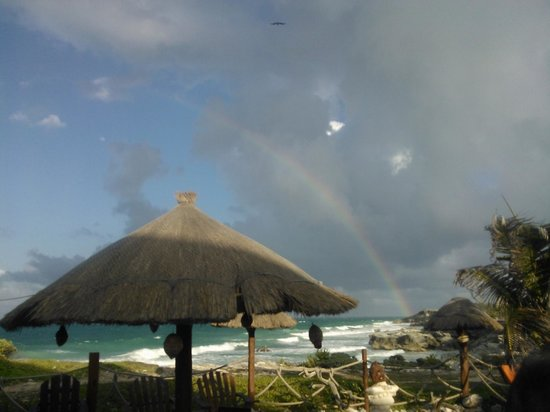 Villa La Bella: Rainbow after a few drops on our last full day.